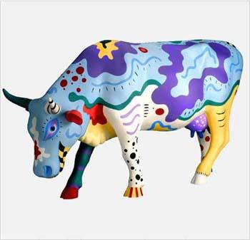 niebieska krowa z głową w dół