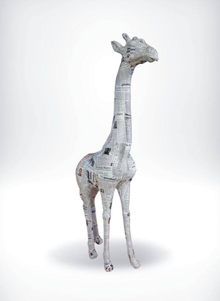 figura żyrafa pop-art gazeta GF062