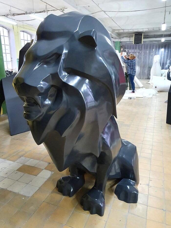 Modern Lion semi gloss